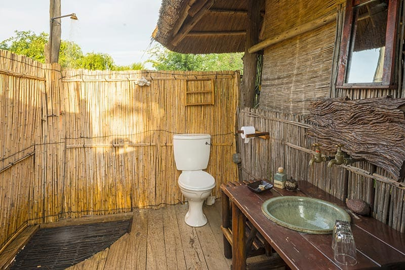 rhino-safari-camp-en-suite-starlit-bathroom